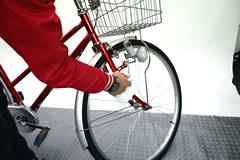 自転車の車体のワックスがけ